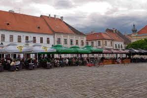 Osijek, Tvrđa (Trg Svetog Trojstva)