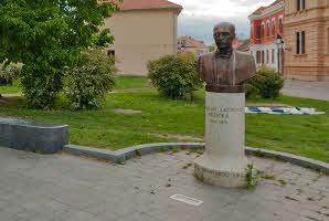 Osijek, Tvrđa (Rondel, Perivoj hrvatskih velikana)